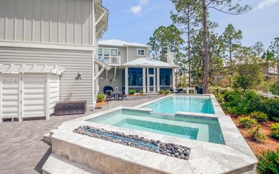 Photo for Gorgeous home in WaterColor Crossings, Private Pool, 4 bikes included!