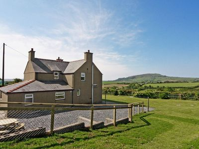 Photo for 4 bedroom property in Tudweiliog.