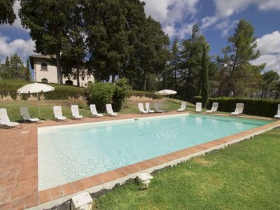 Photo for Stunning private villa with A/C, WIFI, private pool, TV, balcony, parking, close to San Gimignano