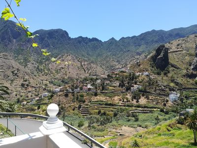 Photo for Apartamento El Corralete with large terrace and 3 bedrooms in Hermigua
