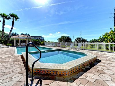 Photo for Spacious, elegant condo w/ shared pool - right on the Gulf of Mexico beach!