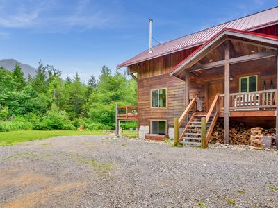 Photo for Little Bear Lodge on Secluded Acreage, Mtn Views, Pet Friendly!