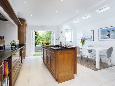 Photo for 4 bed home with stylish roof terrace located in fashionable Clapham (Veeve)