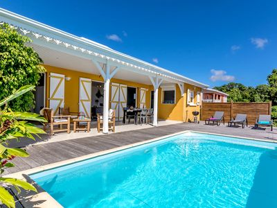 Photo for Mirabelle. charming villa with pool and breathtaking sea views