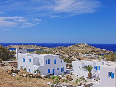 Photo for Maganos Eikosi:Mykonos Apartment, close to the sea, breakfast included, shared pool