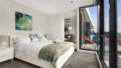 Photo for 2BR Apartment Vacation Rental in Cremorne, VIC