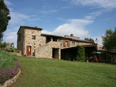 Photo for 3 bedroom Villa, sleeps 6 in Rigomagno with Pool and WiFi