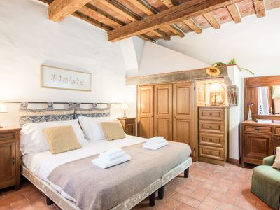 Photo for Antefissa, an elegant property in Piazza Santo Spirito
