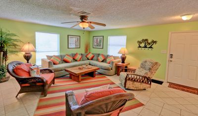 Great For Large Groups! By Rent On Padre
