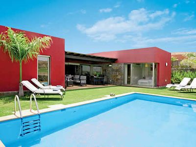 Photo for Modern single storey villa with heated pool, BBQ & resort facilities