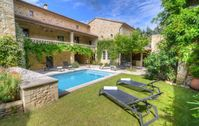 An huge and beautifully fitted out home with an amazing court yard