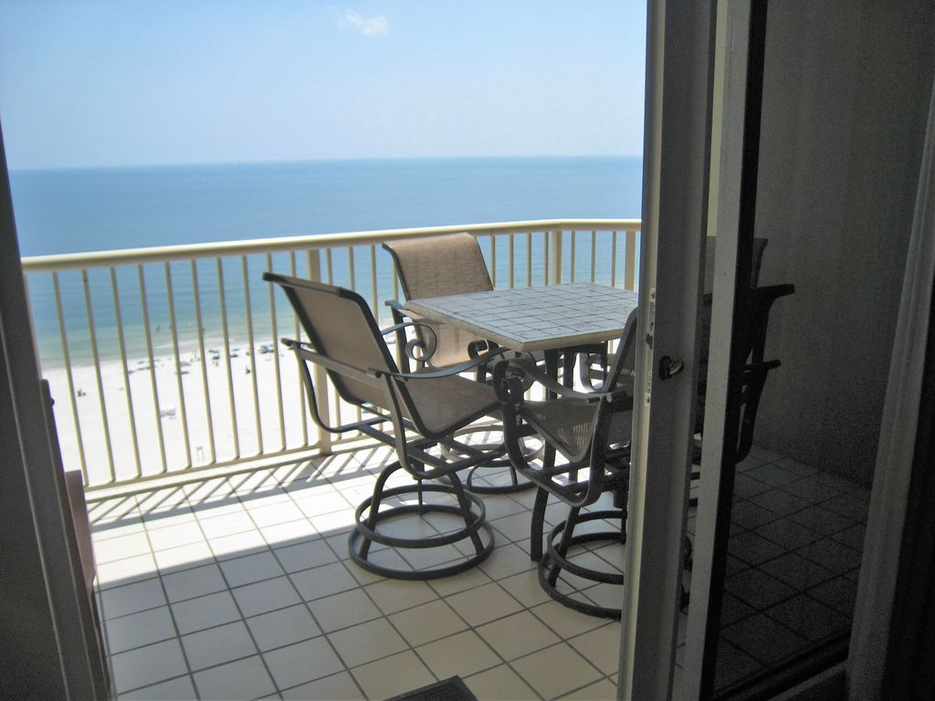 Beach Front View - King, Queen, 2 Twins, So... - VRBO
