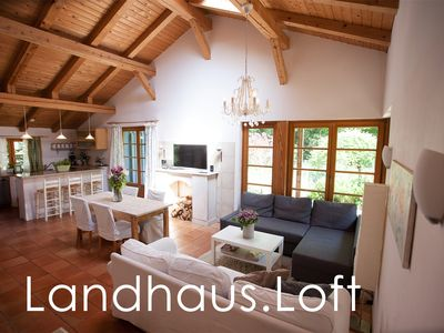 Photo for Idyllic holiday apartment with large garden in Hamburg - Volksdorf