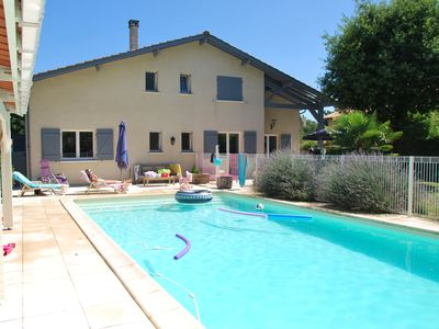 Photo for Large Modern Villa 200m2 12 pers pool between Bordeaux, Ocean and Medoc