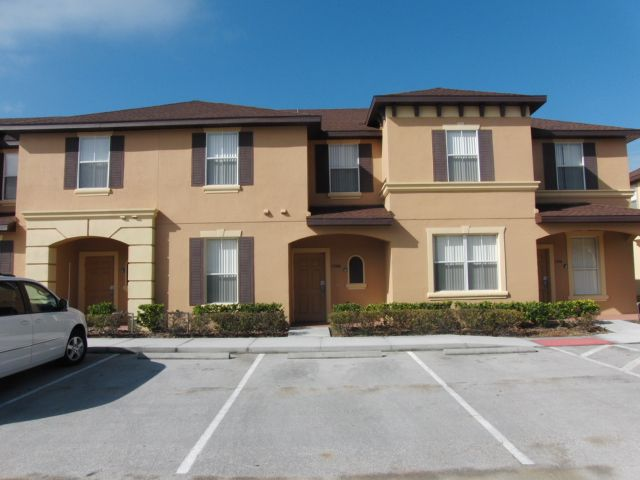 4 Bedroom 3 Bathroom Townhouse Close To The Theme Parks Kissimmee