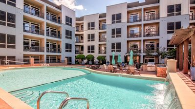 Photo for ⭐️Top Choice ⭐️ 2 bd / 2 Ba ⭐️ Galleria ⭐️ Pool View ⭐️ Balcony ⭐️ Free Valet