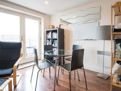Photo for Bright and Modern 2Bed w/Balcony 7 Mins to Tube