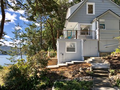 35' from the water & perfectly nestled in the fir trees. Nature surrounds you.
