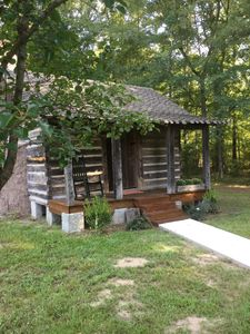Coulter Farmstead - Old Washington Farm Stay-186 Yr Old Historic Cabin