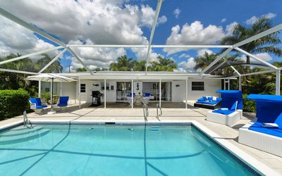 Photo for BLUE Casa - 7 minutes to the river Caloosahatchee