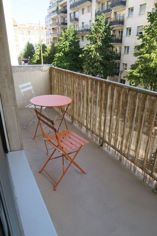 Beautiful bright studio with balcony in the heart for Studio 54 balcony