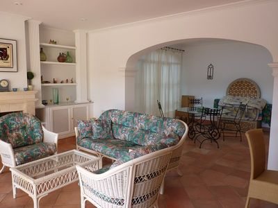 Photo for Villa for up to 8 people with swimming pool, heating, TV, 1 km from the sea.
