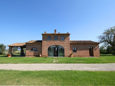 Photo for Lovely villa between with swimming pool Cortona and Montepulciano