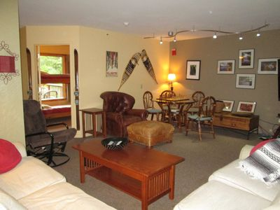 Photo for Luxury of large space 3min to SKI lifts, walk to bars and restaurants HOT TUB