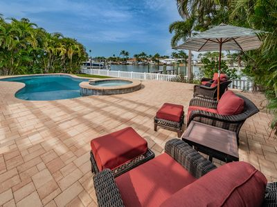Photo for Beach House Paradise- Waterfront near Pass-A-Grille