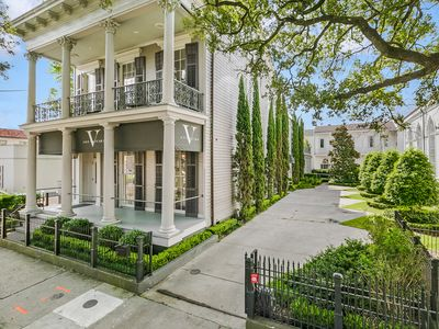 Photo for 2 Bedroom 2 Bath Luxury Apartment on St Charles Ave