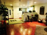 Great location, terrific host, small fully equipped kitchen, clothes washer & dryer.