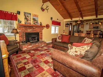 Photo for ~Lazy Bear Lodge~Mountain Decor~Hardwood Floors~Full Kitchen~Great Location~