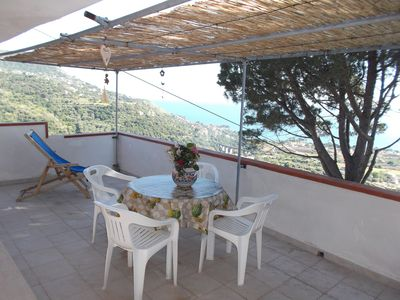 Photo for Apartment in villa with sea view 5