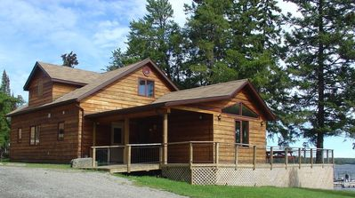 Photo for Five Bedroom Ultra-Deluxe Cottage - Sioux Narrows