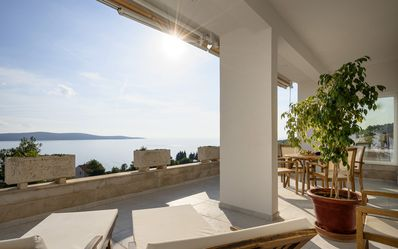 Photo for Luxurious apartment with a breathtaking view