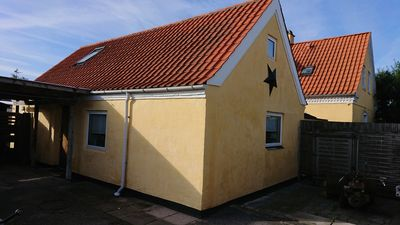 Photo for Nice 2 bedroom house near close to city and airport and beach