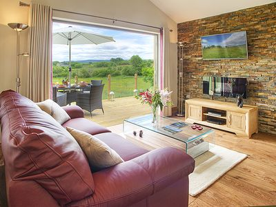 Photo for 5 star luxury for 2 in beautiful tranquil countryside