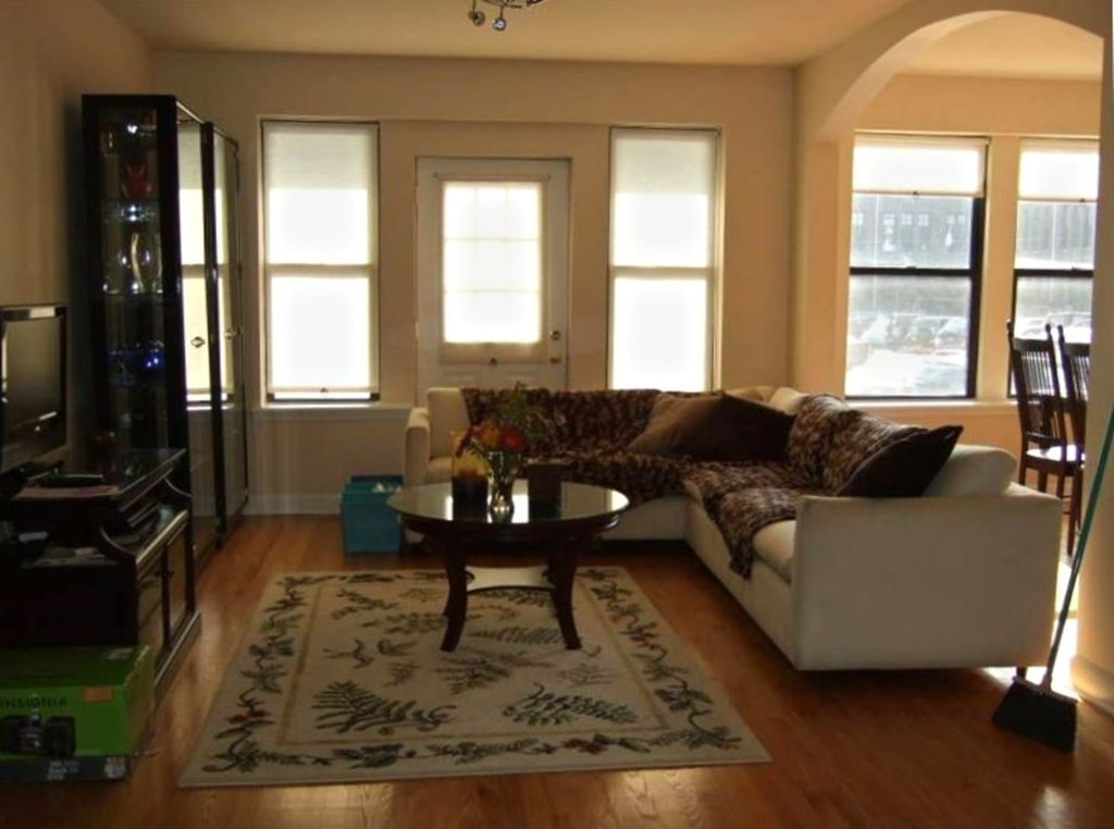 Wrigleyville Home away from Home! 5 mins from downtown! steps from Lake!! Cozy!
