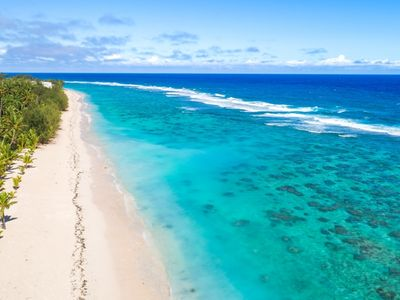 Beachfront Apartment #2 - snorkeling and sunsets at your doorstep