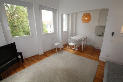 112-D living and dining area