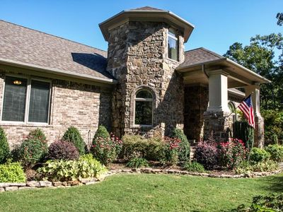 Remote & Quiet Lakefront Home,  6 BR + 3.5 baths, Sleeps 16, Pets Welcomed!!!