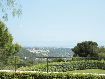 Photo for Beautiful Provencal property full of charm, height, sea view, swimming-pool