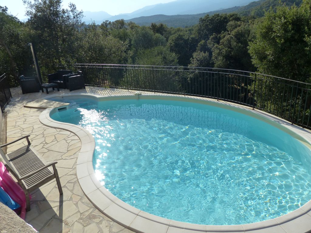Villa sea view and mountain with swimming pool capacity 6 persons porto vecchio corsica for The capacity of a swimming pool