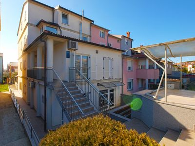 Photo for 2BR Apartment Vacation Rental in Pula, Istrien