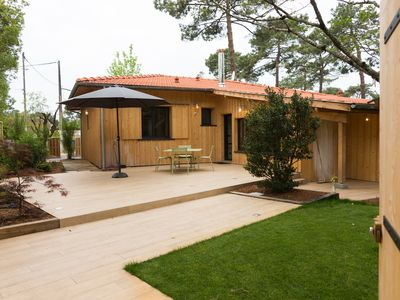 Photo for Charming wooden villa 200m from the Basin