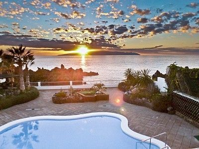 Photo for Best Oceanfront Villa on Island, Next To Beach, Heated Pool, Tropical Garden