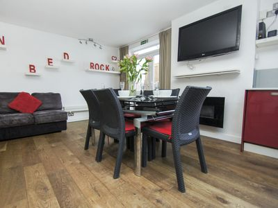 Photo for Finsbury House: 4 bedroom, sleeps 8, WiFi, great for groups
