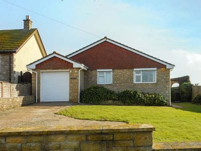 Photo for LINDEN LEA, family friendly in West Bexington, Ref 933164