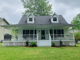 Photo for 3BR Cottage Vacation Rental in North Benton, Ohio