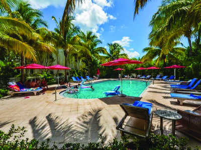 Photo for Gorgeous Coral Lagoon Resort #15 - 3 Bedroom, 2.5 Baths, Waterfront with Slip
